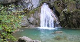 Preciosa Cascada de Belabarze