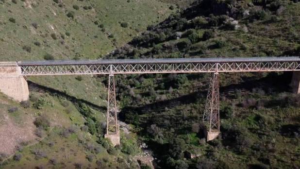 Uno de los puentes del camino del Hierro