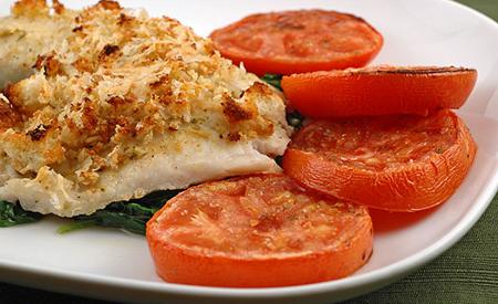 Panga y ensalada de tomates