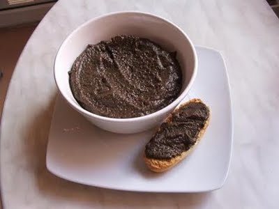 Salsa de aceitunas negras y garbanzos