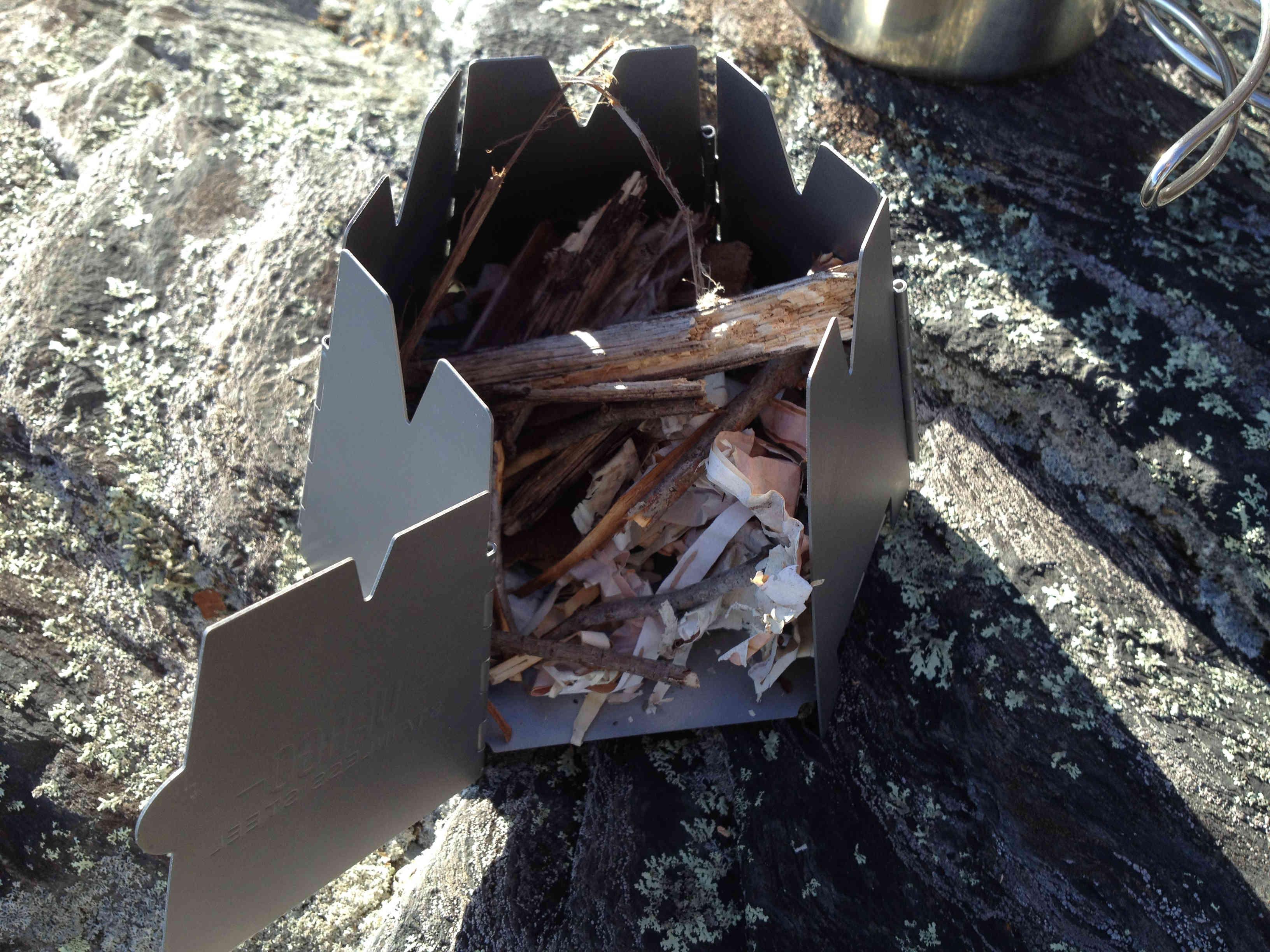 Vargo Titanium Hexagon Wood Stove Review