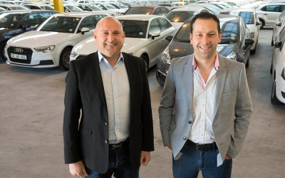 Will brick 'n click convince people to buy cars online?