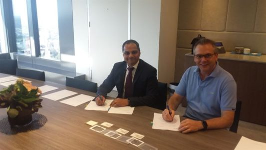 Wartsila and AGL Energy officials sign the EPC contract for the Barker Inlet Power Station, a new new South Australian gas fired power station.