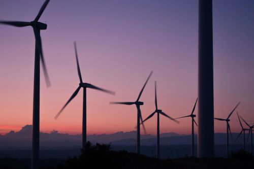 Sydney Airport will buy power generated from the Crudine Ridge wind farm.