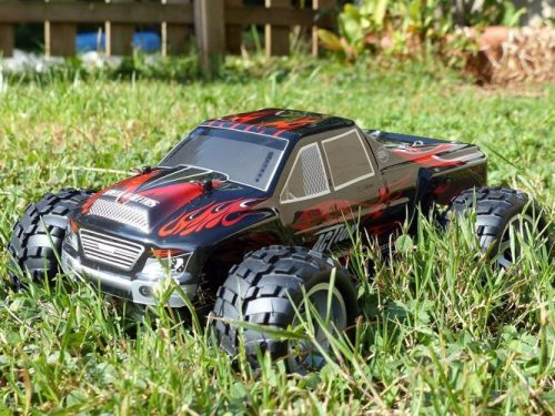 Remote Control [Distianert 1/18 scale 4 WD, 2.4 GHz and 30MPH] Car