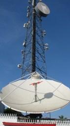 Satellite mast