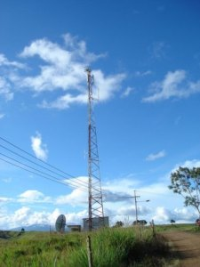 Mobile phone towers dot the PNG landscape. Credit: Radio Australia