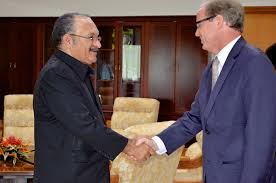 PM Peter O'Neill with the World Bank's  Axel van Trotsenburg.
