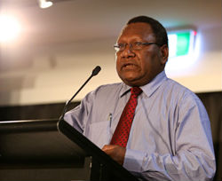 Loi Bakani, Governor of the Bank of PNG