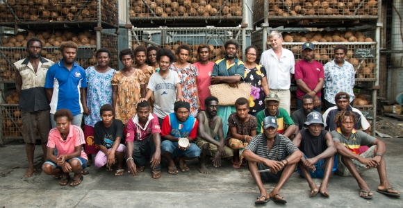 Business and smallholders partnering to export Papua New