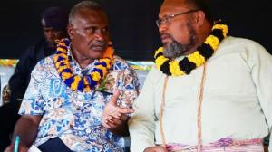 Kavieng Niu Lodge owner John Merebo talking with Kavieng MP, Ben Micah. Credit: PNG Loop