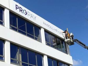 Logo Pro-Pay building