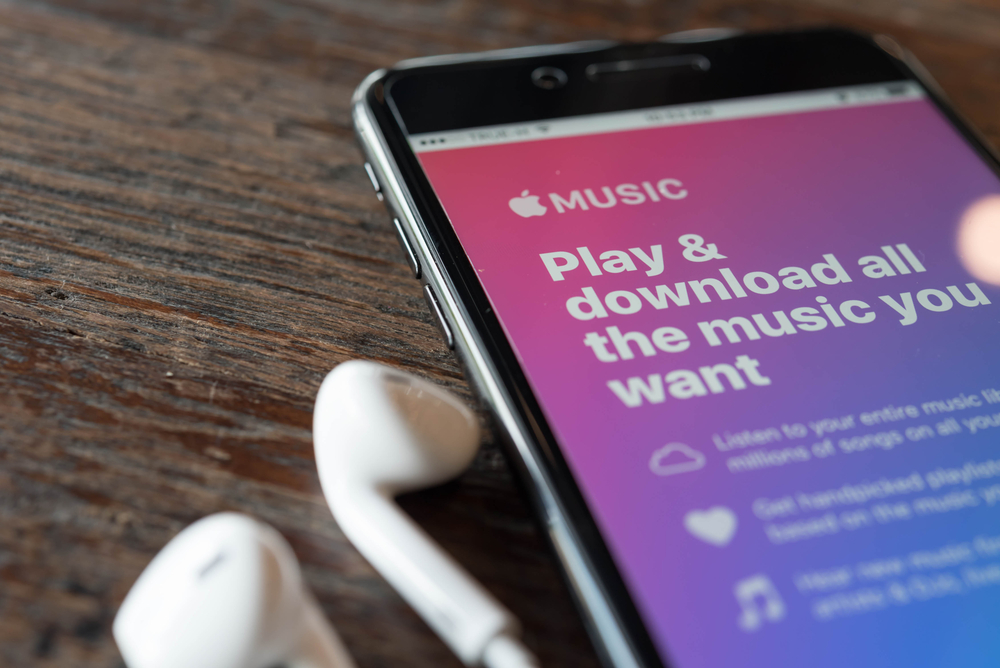 Spotify has been the dominant player in the U.S. streaming music market since its debut. But now Apple Music is gaining ground, and that service's users may just outnumber Spotify's in the near future.