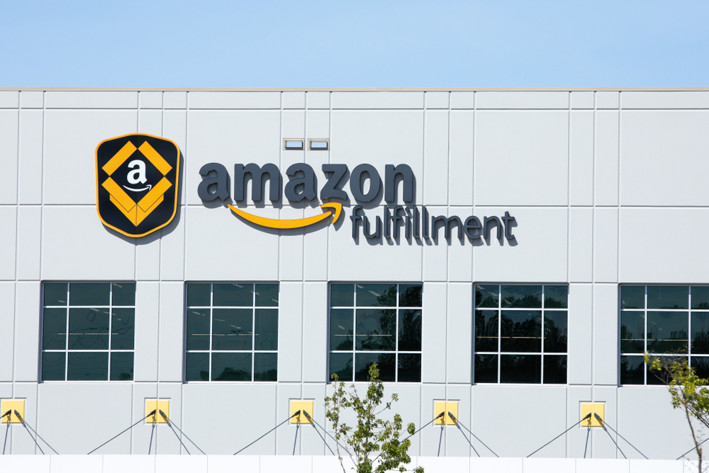 Bezos, Sanders Clash Over Amazon's Treatment of Workers