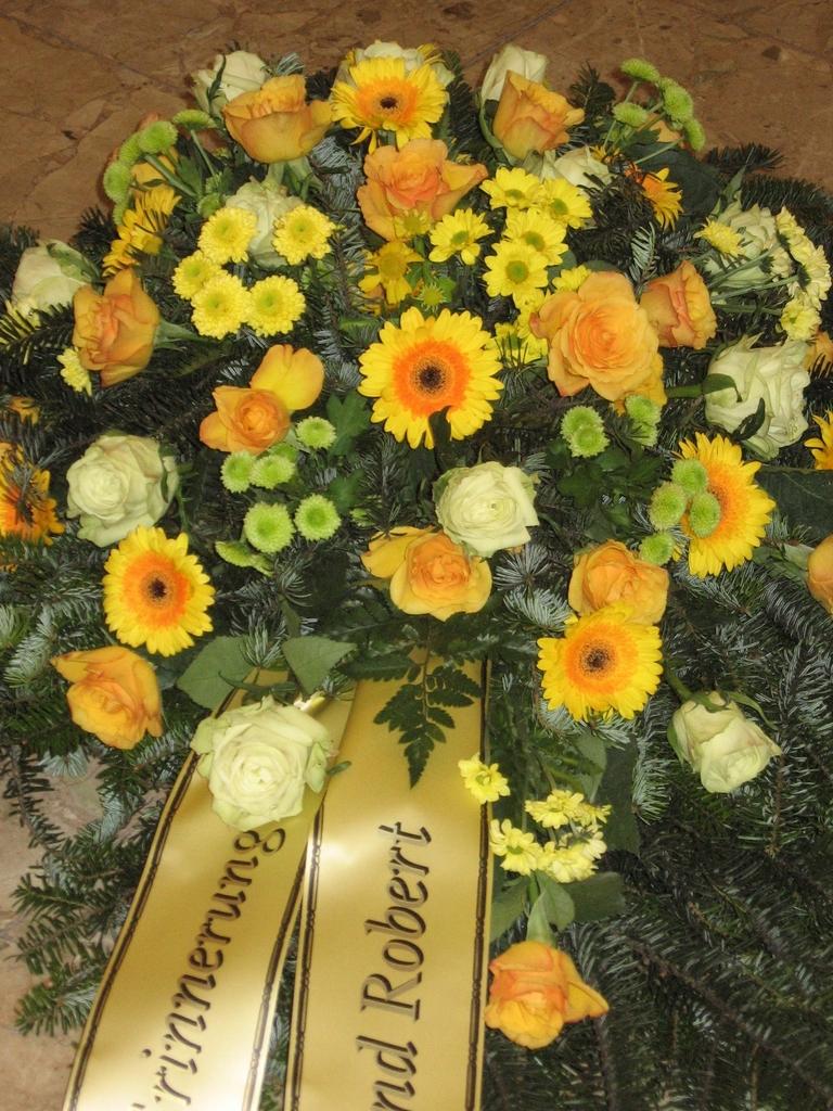 Produkte BeerdigungTrauerbouquet  Blumen Angie  1090 Wien
