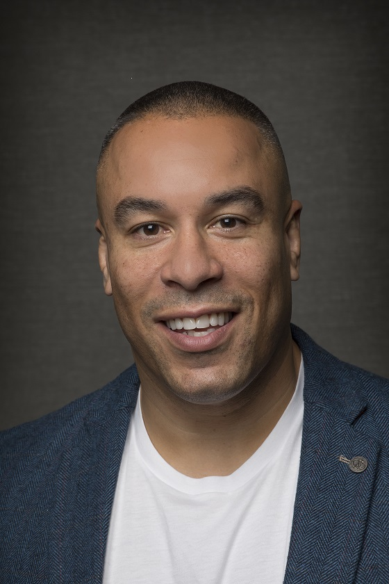 Learn business with Alex Simmons on the startup podcast