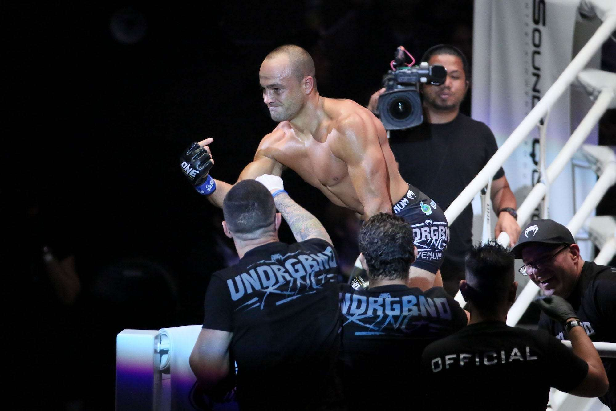 Eddie Alvarez is hellbent on trouncing One Championship fighters until he adds another title to his honor roll | Business Insider India