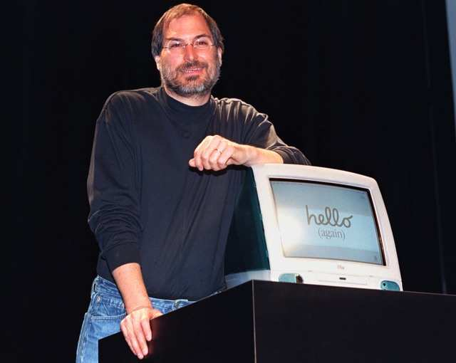 Almost exactly a year after that Microsoft cash came in, in August 1998, Apple would release the iMac, an all-in-one, high-performance computer codesigned by Jobs and new talent Jonathan Ive.