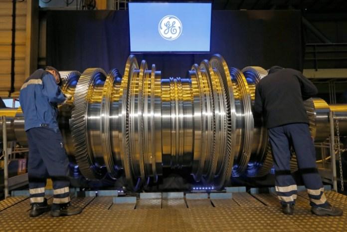 © Reuters.  General Electric Falls 3.92%