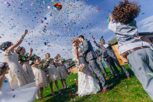 Discover The Iconic Wedding Photos Capture the feeling itself 1f96ab76