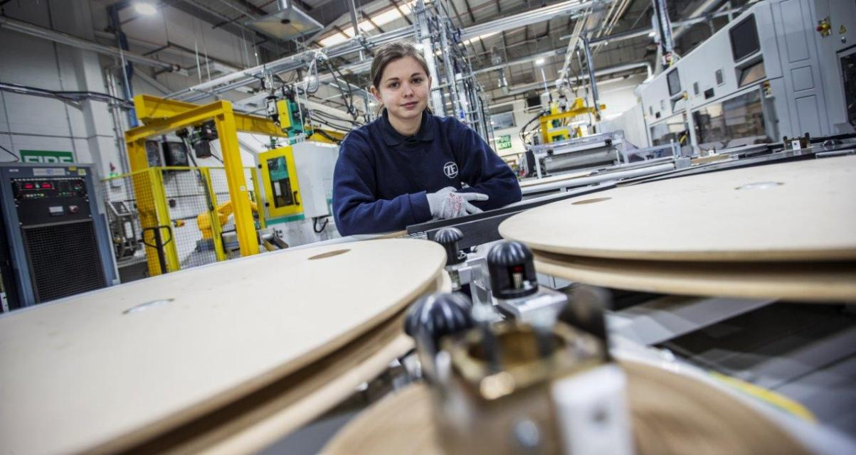 Sixteen apprentices in the driving seat at automotive manufacturer ZF