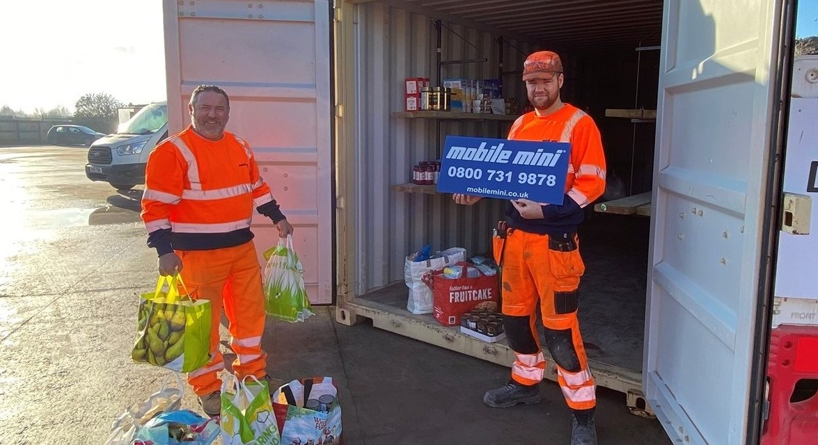 Mobile Mini team distributes £20,000 of donations