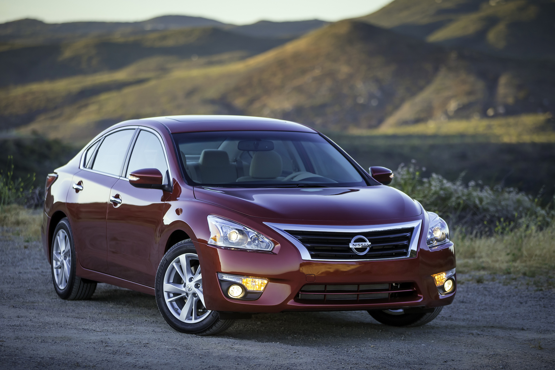 hight resolution of nissan altima
