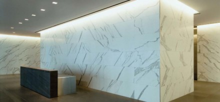MIA-Pinnacle-Award for the building 2101 L Street, Washington D.C.: Lobby wall veneer of Statuario Veneto Marble, paving of Basaltina vein cut sandstone.