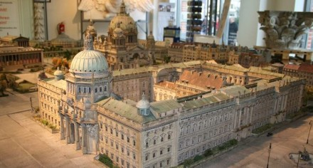 The former Berlin city-palace (model) in the center of the old town.