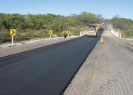 Deployment of slate-asphalt. Photo: Micapel