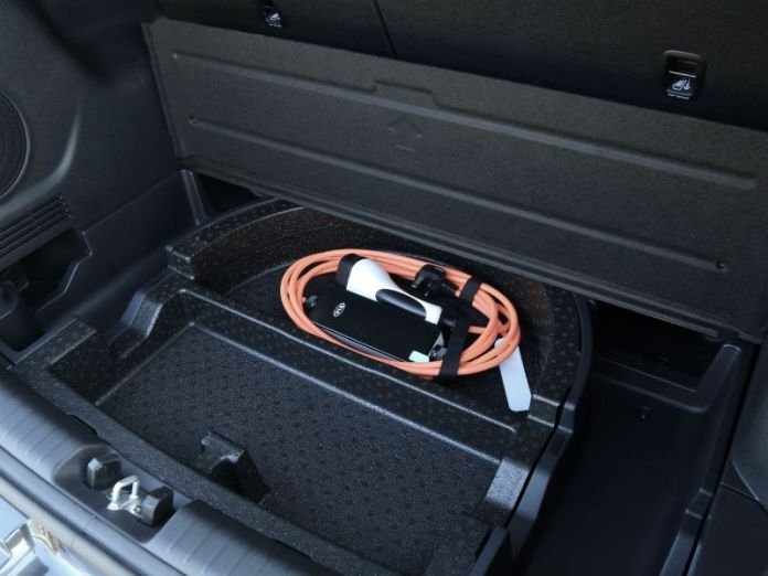 Kia e-Niro underfloor tray for charging cable