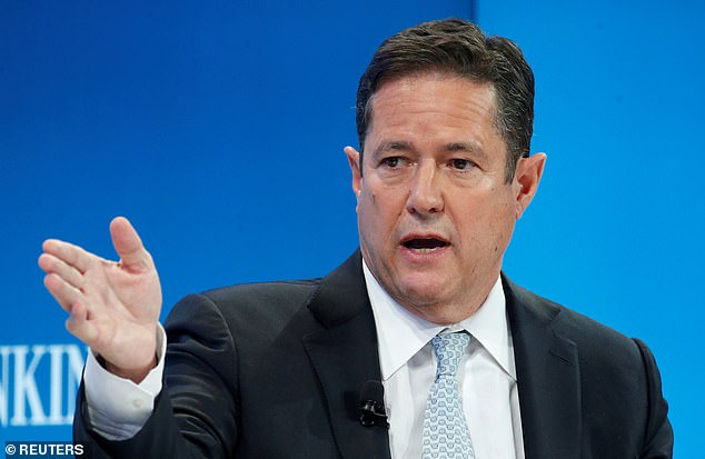 A leading Barclays shareholder has ditched its £600 million stake in the bank ¿ dealing a blow to boss Jes Staley (pictured) as he battles a corporate raider