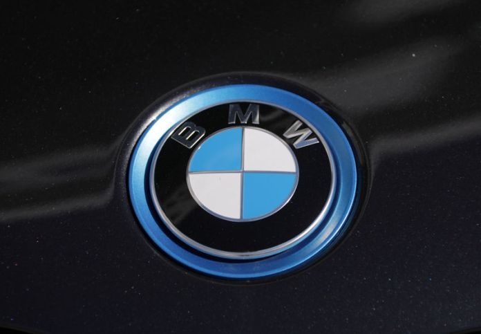 © Reuters. The BMW logo is seen on a car in Nice