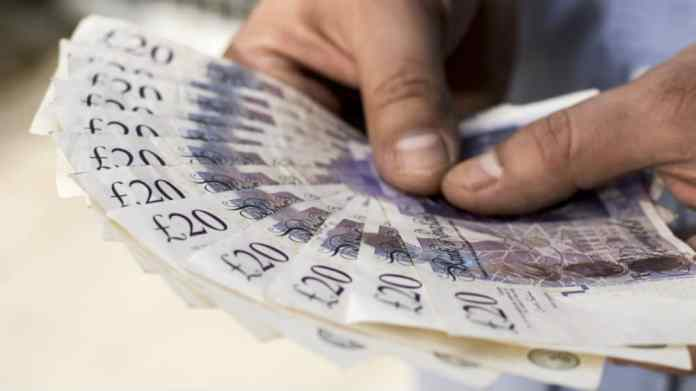 Have £3k to spend? 2 top dividend stocks I'd buy following latest news