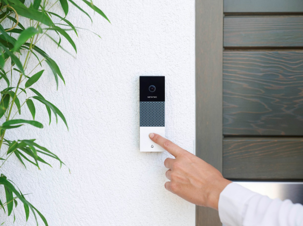 Technology 3 Smart Security Devices To Protect Your Home La Daily News Businesstelegraph
