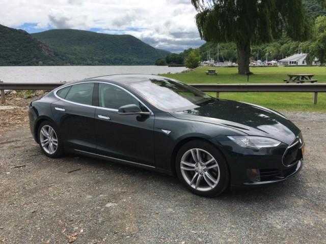 2013 Tesla Model S, in July 2017   [photo: David Noland]