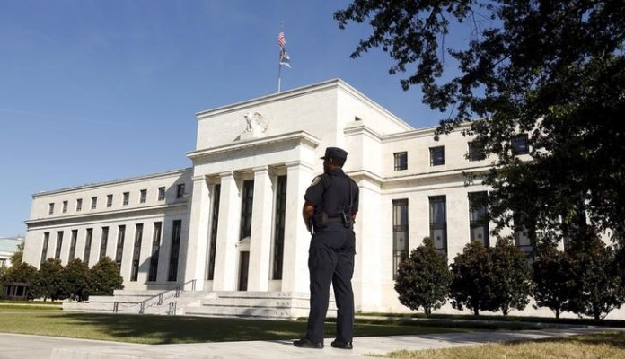 © Reuters.  Bold Option Wagers Call for Half-Point Cut as the Fed's Next Move