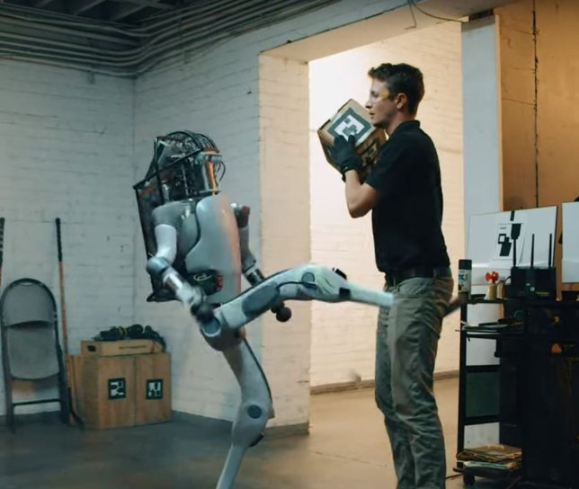 'Boston Dynamics' robot fights back in fake video Videograb from @Corridor/Youtube https://www.youtube.com/watch?v=dKjCWfuvYxQ