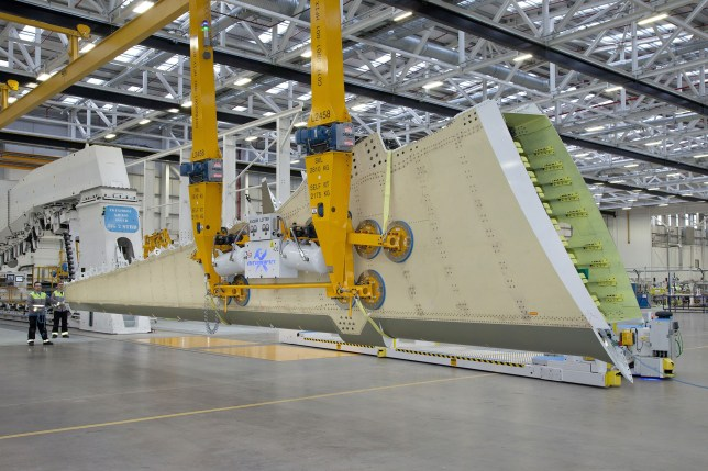 The composite wing created by Bombardier Aviation (Bombardier)