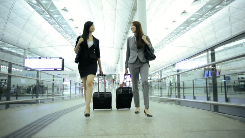 How to Choose an Ideal Travel Suitcase as your Companion?