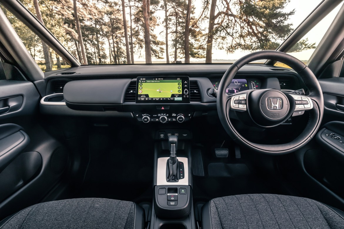 Chunky dials and super-thin windscreen pillars give great visibility