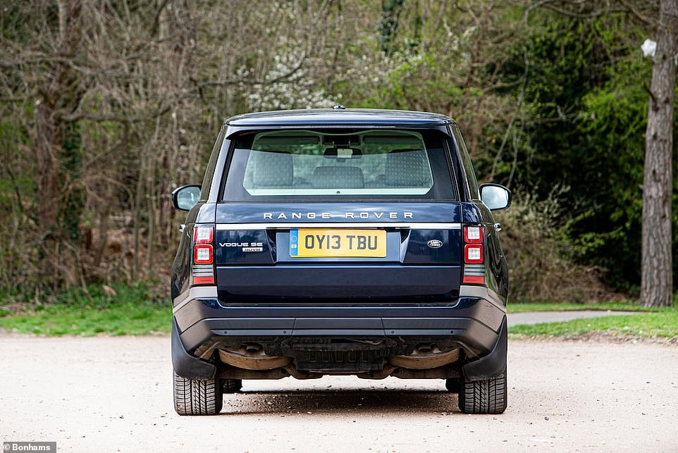 The Range Rover 4.4 SDV8 Vogue SE has an 86-litre fuel tank. A trip from Kensington Palace to Scotland can be completed without stopping - and with ease