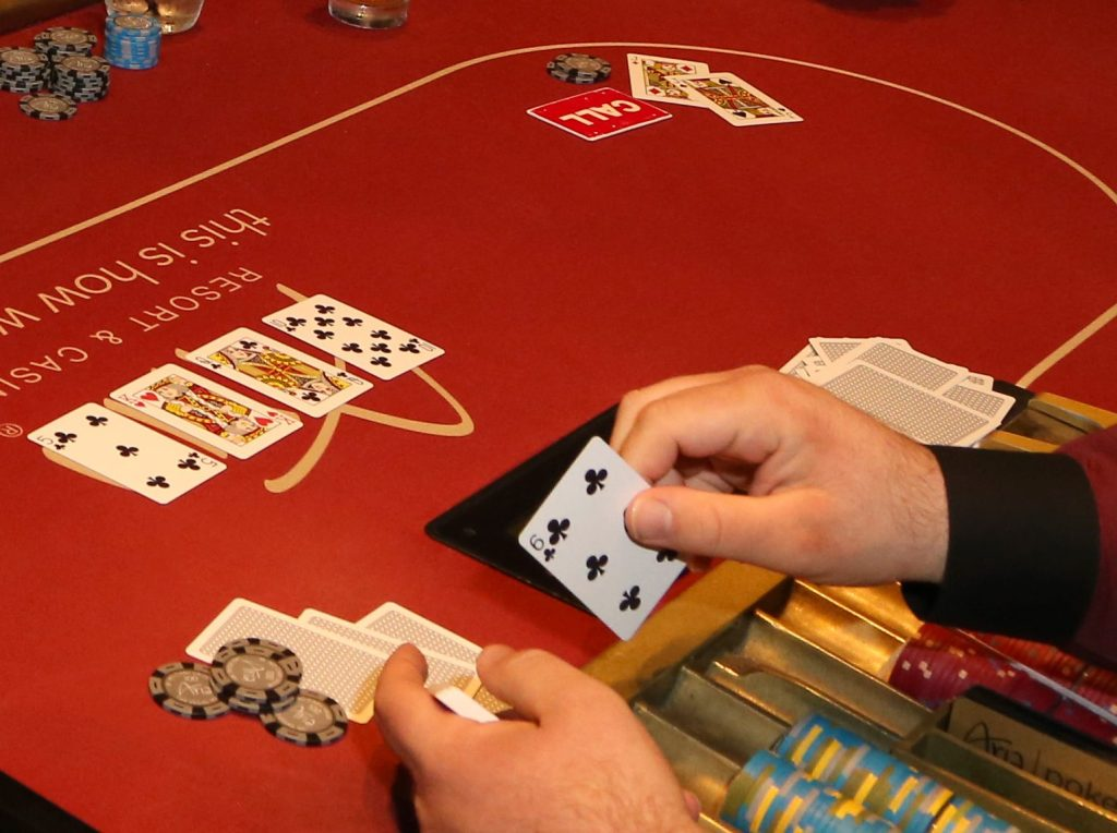 How Poker Will Make You a Mentally Healthy Person?