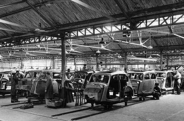 Production at a Rootes factory in the 1930s. Rootes Group, which included the brands Hillman, Humber, Singer, Sunbeam, Talbot, Commer and Karrier, sold to Chrysler in 1967