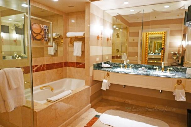 Hotel Review: The Venetian Las Vegas Bella Suite Bathroom