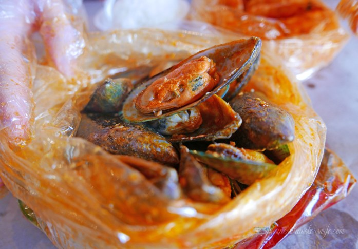 When in Toronto: The Captain's Boil (Boil-in-a-Bag Cajun/Asian Seafood) Mussels