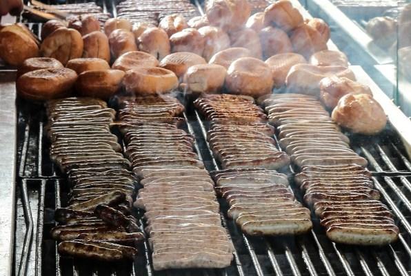 10 Must-Visit Christmas Markets Around the World for Foodies nuremberg sausages Christkindlesmarkt