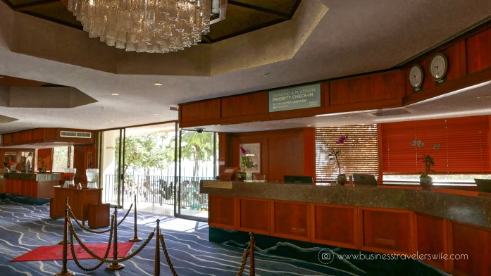 Hotel Review on Hyatt Regency Waikiki Beach Resort & Spa Honolulu Oahu Hawaii Lobby Front Desk