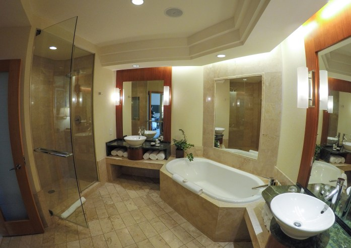The Cove Atlantis - Autograph Collection at Paradise Island, Bahamas ocean suite room bathroom