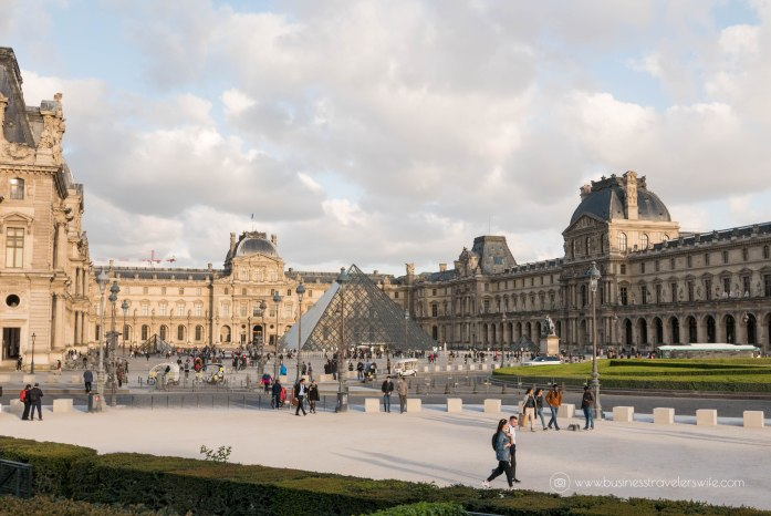 Beautiful Sights in Paris You Shouldn't Miss Louvre